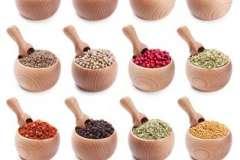 """Вкусные рецепты: Печенье """"Звездочки"""", Бульон с колдунами или ушками, """"Розочки"""" из конфет"""